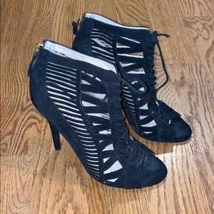 Black lace up Nine West heels